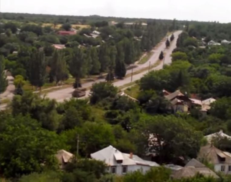 snizjne | 17 juli 2014. Videobeeld dat daags na de ramp op YouTube werd gezet. De BUK-lanceerder op weg naar de lanceerplaats. Beeld