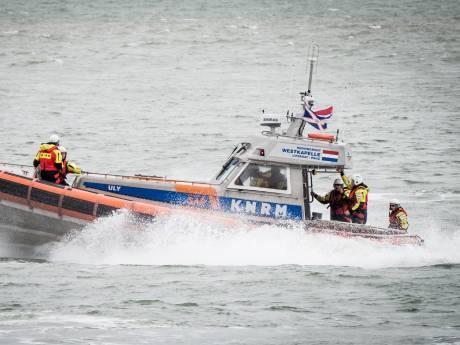 Zoektocht naar 14-jarig meisje in Noordzee bij Ameland hervat