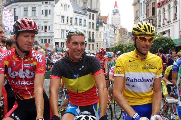 Rik Verbrugghe, Ludovic Capelle en Marc Wauters bij aan de start op de Antwerpse Suikerrui in 2001.