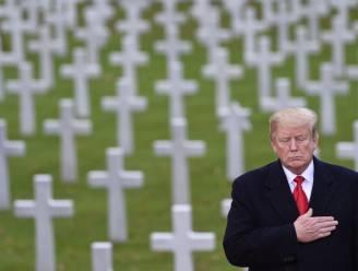 """Trump ontkent stellig dat hij gevallen oorlogssoldaten """"losers"""" en """"suckers"""" noemde"""