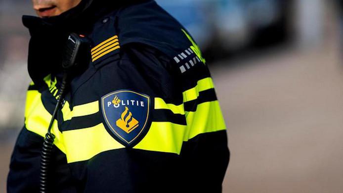 Twee vissers spraken Van Huet afgelopen weekeinde aan en zij besloten om de politie te bellen. Die bracht hem naar huis.