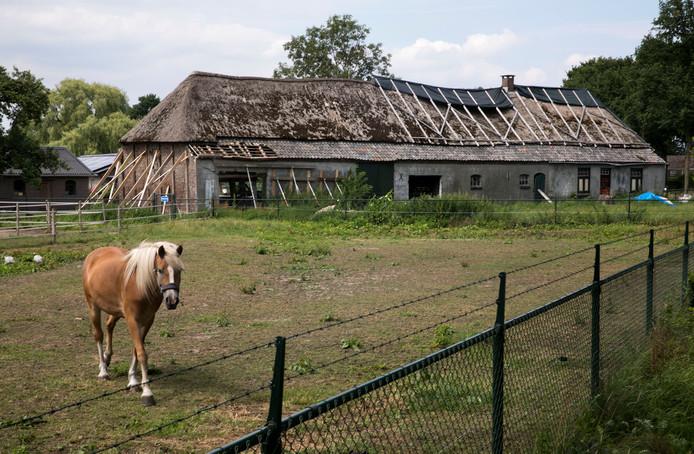 Hoe ontstaan vervallen boerderijen op onderzoek in de for Boerderijen te koop in brabant