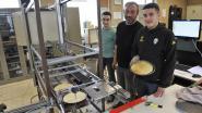 Leerlingen bouwen automatische pannenkoekenmachine