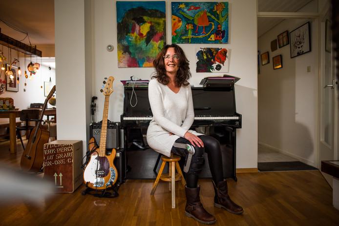 Anneke Polman kan weer met branche achter de piano kruipen. Foto: Rolf Hensel.