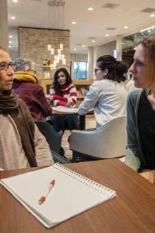 Met elkaar in gesprek en taalvaardigheid oefenen bij Taalcafé Waalre