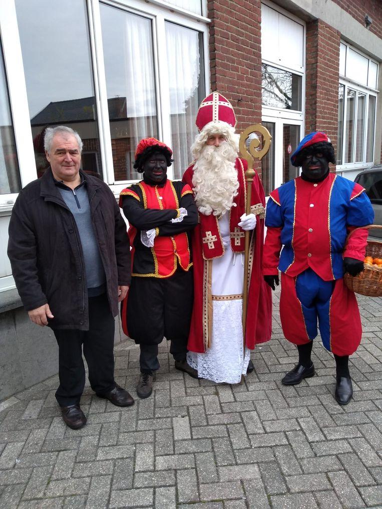 De Sint bracht een bezoekje aan de mensen van Heikruis.
