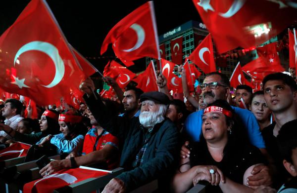 **Noodtoestand in Turkije twee jaar na couppoging beëindigd**