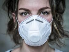Oproep aan boeren: schenk jullie mondkapjes en wegwerpoveralls voor strijd tegen corona