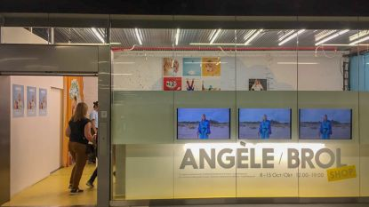 Zangeres Angèle opent pop-up