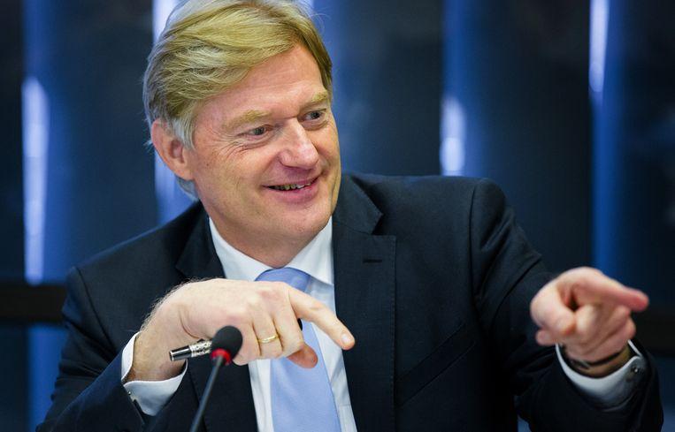 Staatssecretaris Martin van Rijn van Volksgezondheid, Welzijn en Sport arriveert in de Tweede Kamer voor een debat. Beeld anp
