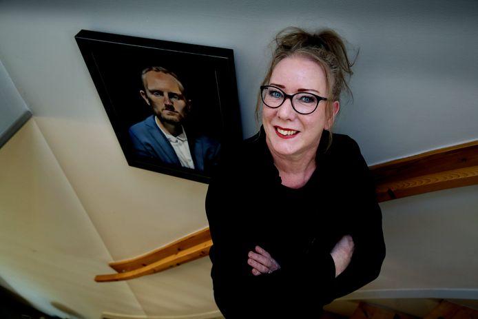 Galeriehoudster Wilma Geerts.