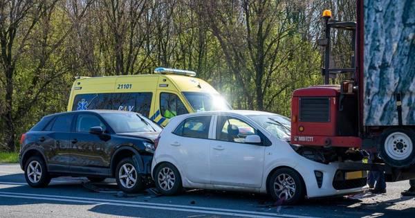 Ongeval met twee auto's en vrachtwagen op afrit Engelen.