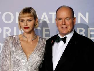 Corona gooit roet in het eten: Albert en Charlène van Monaco mogen cadeaus niet meer persoonlijk uitdelen