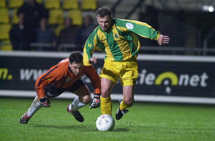 Een foto uit 2001, toen Petrov uitkwam voor ADO Den Haag.