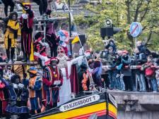 'Goede mix van zwarte en roetveegpieten bij sintintocht in Delft'