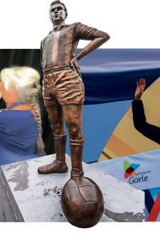 Een standbeeld voor Wüst: ja, 80.000 euro? Nee