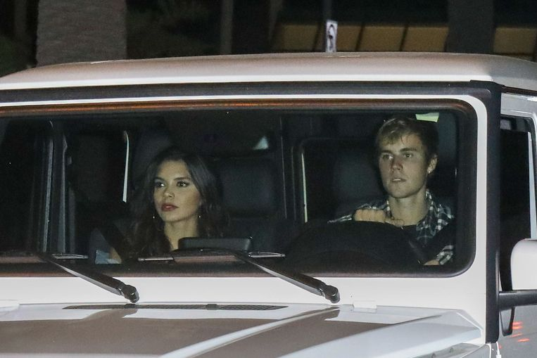 Justin Bieber en Paola Paulin op weg naar de kerk op 4 oktober.
