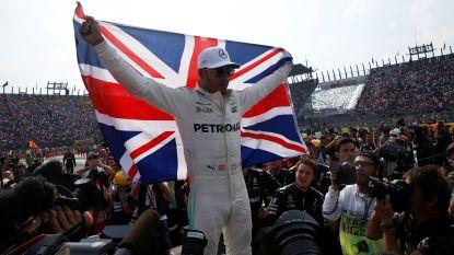 """Hamilton vierde keer wereldkampioen na botsing met Vettel: """"Niet de race die ik had gewild"""""""