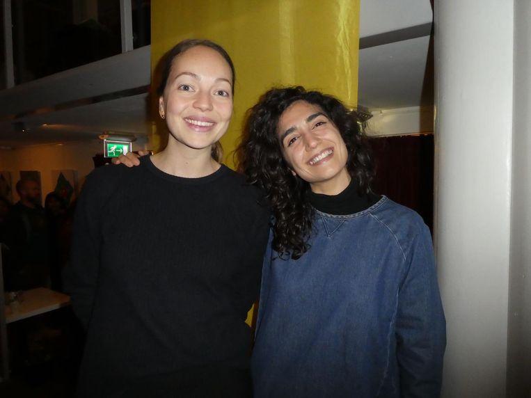 Simone Schuilwerve en Sadaf Hosseni van School of Life, dat zich richt op vragen waar je op school geen les in kreeg. Beeld Hans van der Beek