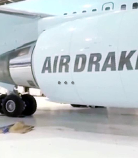 Drake heeft zijn eigen vliegtuig! Prijskaartje? Ruim 220 miljoen dollar