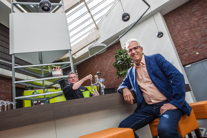 Voorzitter Johan Cuijten van Stichting Beheer Dorpshuis Heeze.
