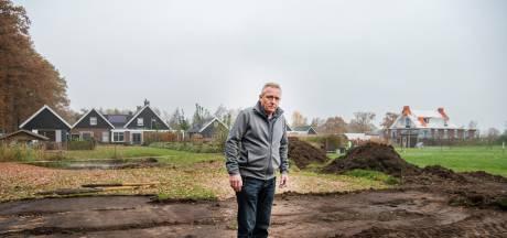 Uddelse boer verwoest tuin van buurman