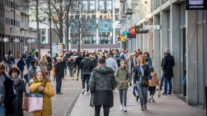 Leegstandsprobleem overspoelt Stadsplein: Wereldhave wilt winkelgevels naar voren halen