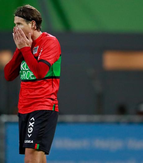 NEC gaat met de billen bloot in Dordrecht