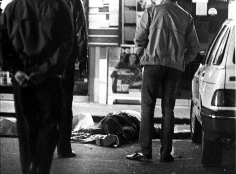 27 september 1985: het slagveld na een overval op een Delhaize-supermarkt in Overijse. Beeld AFP