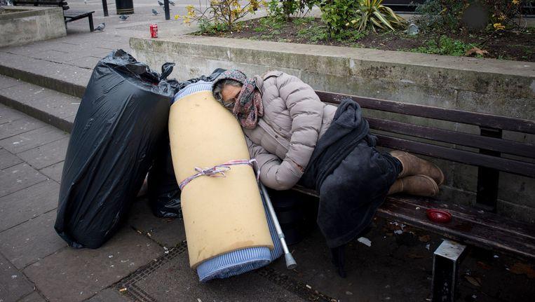 Archiefbeeld van een Roemeense dakloze vrouw in Londen.