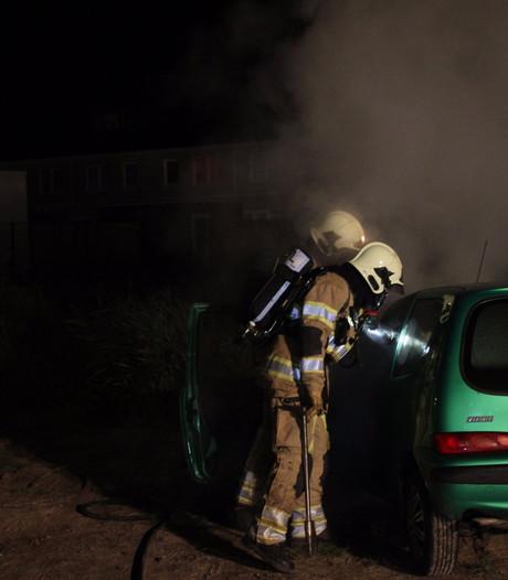 Twee auto's uitgebrand in Warande