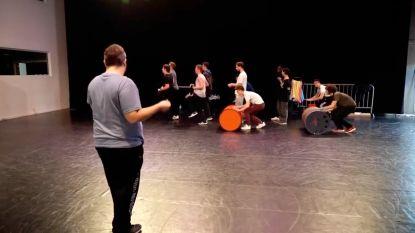 Choreograaf van '#LikeMe' die aangehouden werd wegens zedenfeiten nog steeds te zien in Ketnet-filmpjes