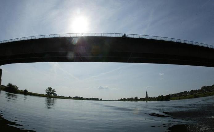 De Rijnbrug bij Rhenen. foto Cord Otting
