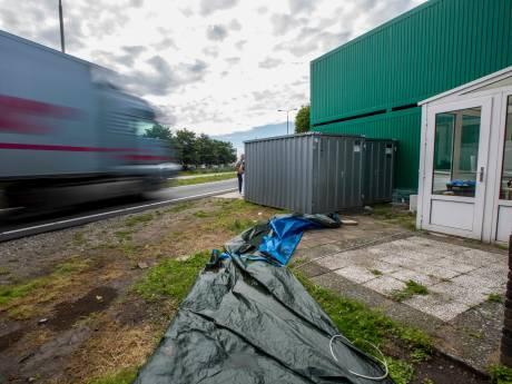 Lagere dwangsom voor illegale wooncontainers door gebrek aan bewijs