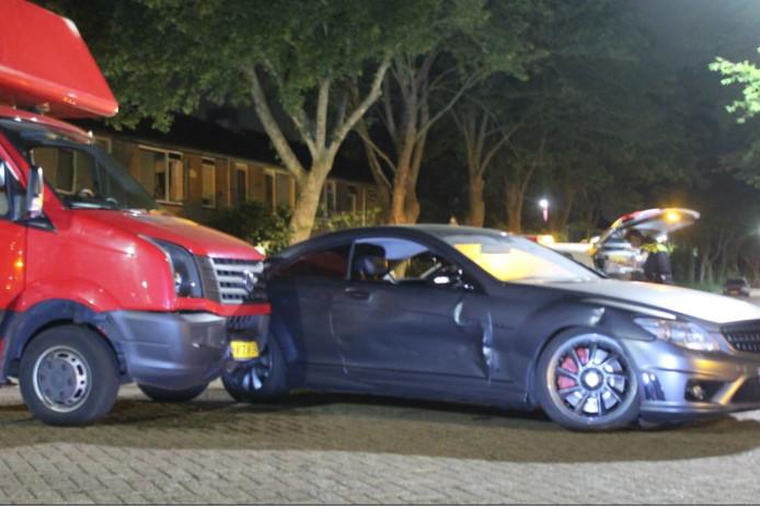 Beide voertuigen raakten beschadigd.