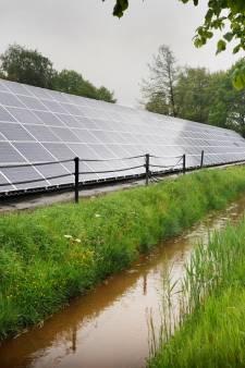Zonnepanelen op bestaande geluidswallen? Daar zijn serieuze plannen voor in Deventer, Wesepe en Raalte
