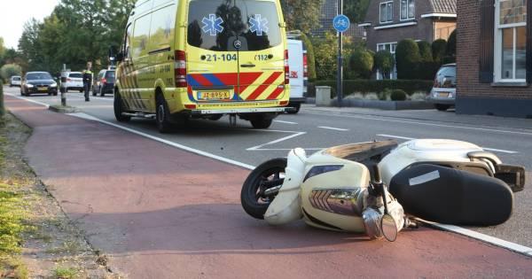 Bestuurder van snorscooter loopt flinke hoofdwond bij eenzijdig ongeluk in Boxtel.