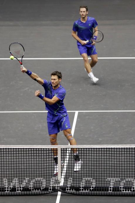 Koolhof en Sitak halen kwartfinale in Irving