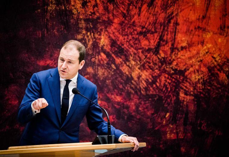 Lodewijk Asscher (PvdA) in de grote zaal van de Tweede Kamer  Beeld ANP