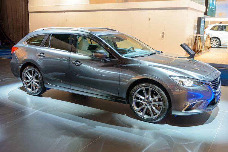 De Nieuwe Mazda 6 Een In Luxe Badende Auto Met Ontiegelijk Veel