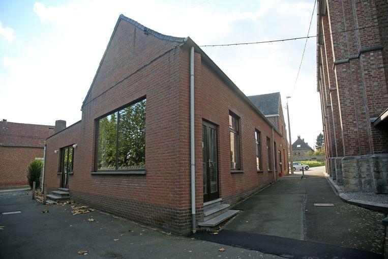 De parochiezaal in Oudenaken staat naast de kerk.
