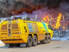 Defensie leende drie crashtenders uit voor brand in Hapert, maar wat maakt deze voertuigen zo speciaal?