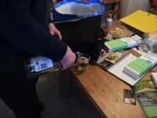 Bea werd 15 keer opgenomen voor haar verslaving aan alcohol: 'Stop met het pamperen van mijn zus'