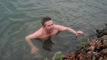 PVDA-politicus duikt kanaal in uit protest tegen afbraak zwembad
