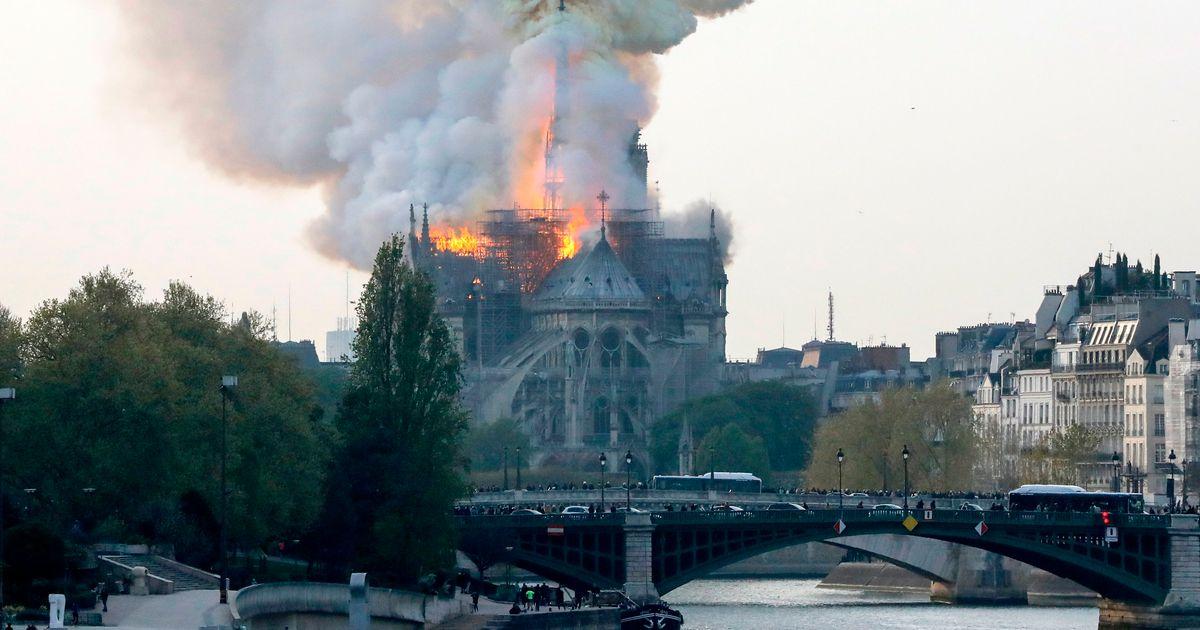 Afbeeldingsresultaat voor Parijs: kathedraal brandt