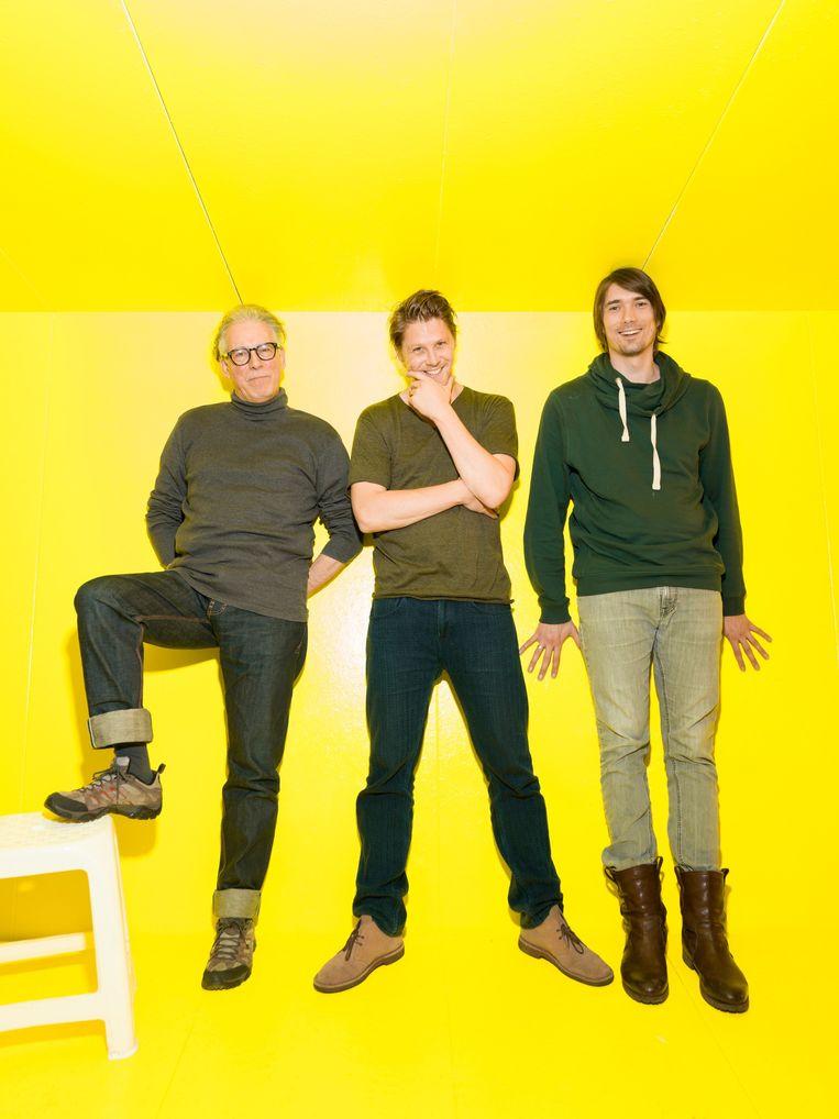 De mens als tikkende tijdbom op het podium. Vanaf links: Herman Gilis, Gijs Naber en Rik van den Bos. Beeld Ivo van der Bent