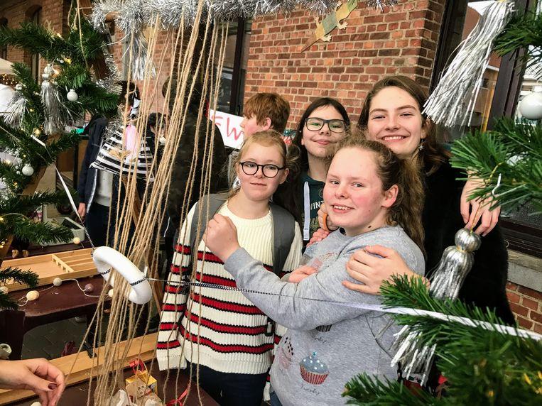 In december organiseerde de middenschool een kerstmarkt.