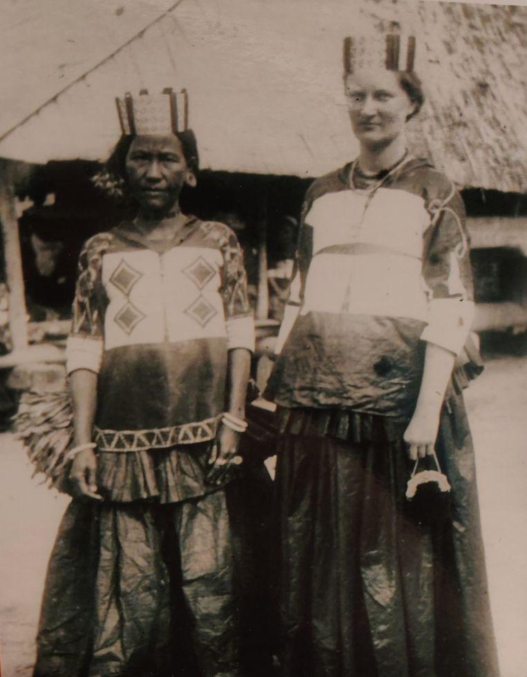 Anna ten Kate in Napoe klederdracht Beeld Archief familie Ten Kate