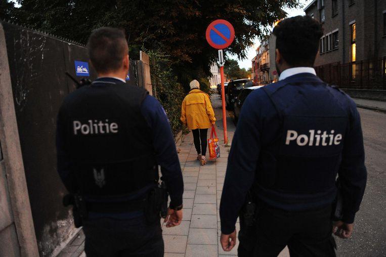 Volgens Vlaams Belang moeten politiemensen maximaal de straat op en moeten er meer patrouilles in burger komen.