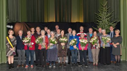 Bloemen voor acht gouden huwelijksjubilarissen